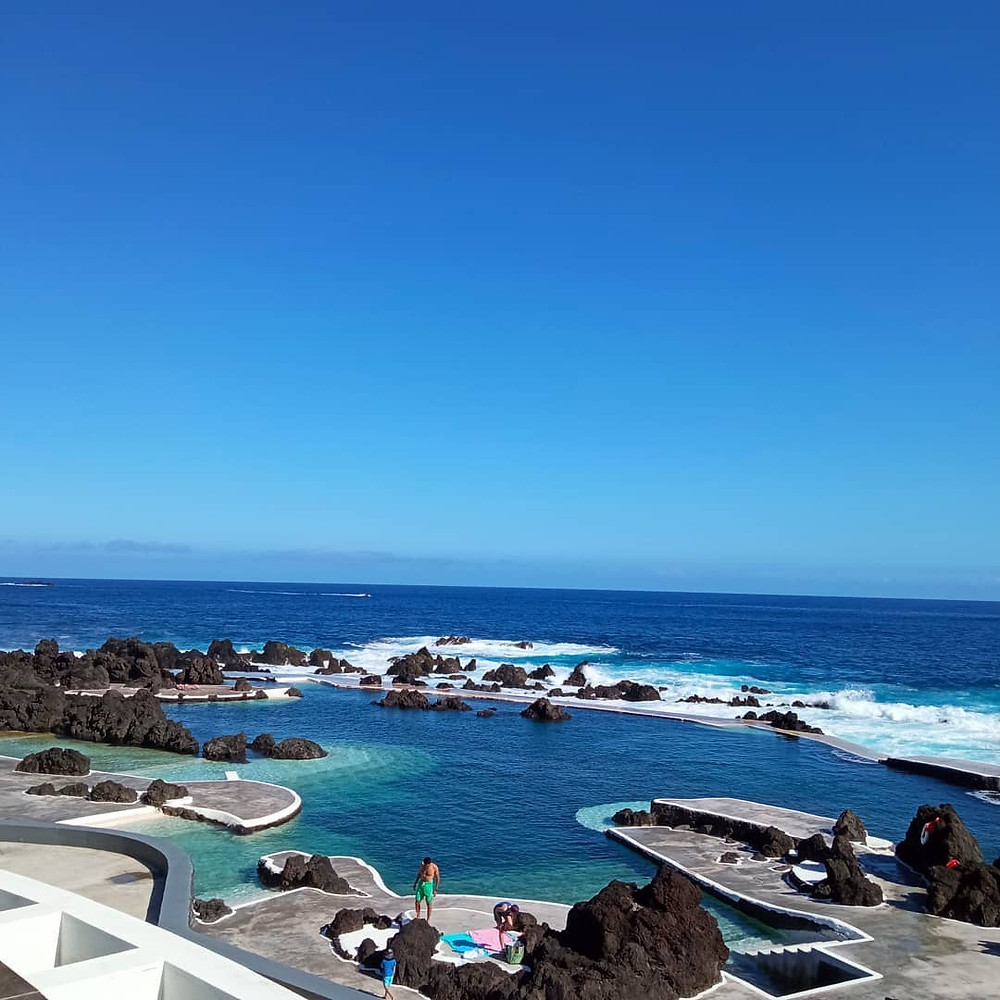 lava pools porto moniz