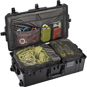 pelican-1615-black-travel-compartment-ca