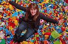 foto Michelle con piezas Lego.jpg
