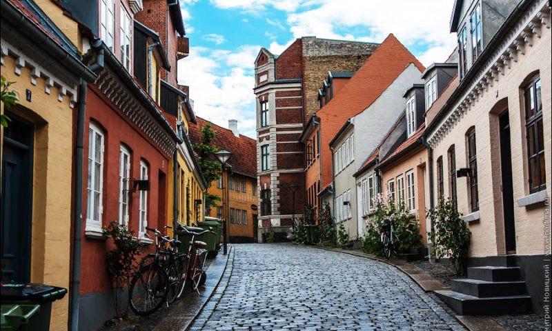 Españoles Dinamarca Viajar Coronavirus Odense Visitar