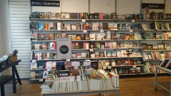 Españoles Dinamarca Día Libro Librería Novela Negra Leer Lectura