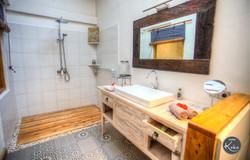 Hot water shower