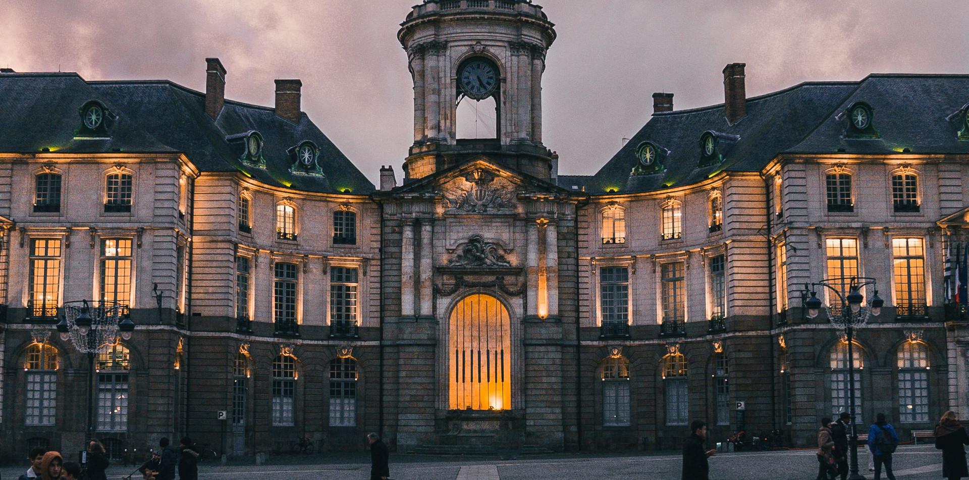 Place de la mairie de Rennes.jpg