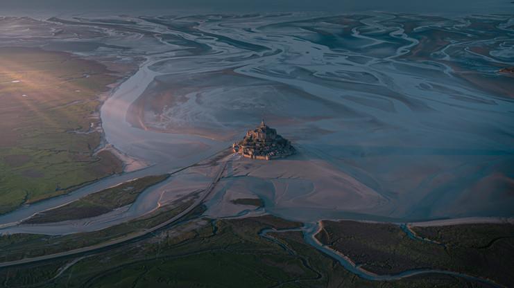 Mont St Michel vue du ciel.jpg