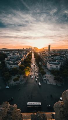 Coucher de soleil sur la Défense à Paris