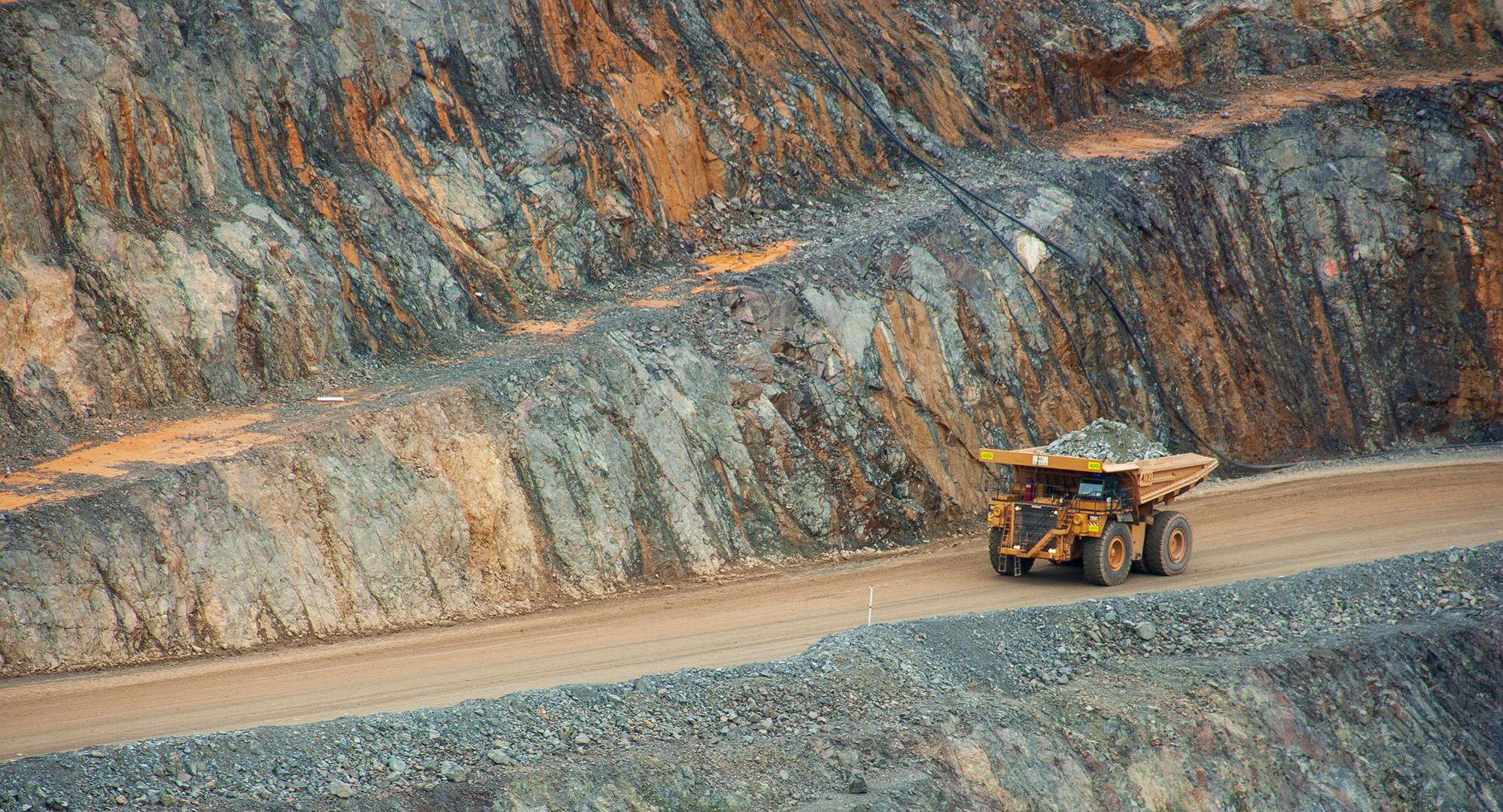 Mining 02.jpg