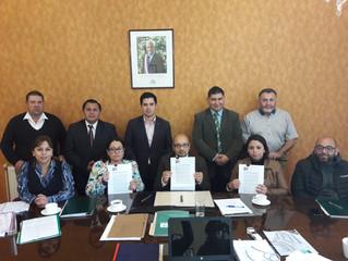 """Alcalde firma convenios de programas """"Parentalidad"""" y """"Cero: Controles Preventivos a"""