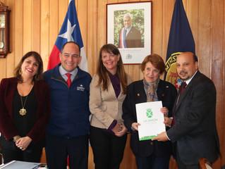Alcalde Pinuer se reúne con Ministra de Cultura y autoridad se compromete a apoyar proyecto de resta