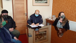 Municipio y Conaf firman convenio para mejorar Programa de Emergencia de Empleo en la comuna
