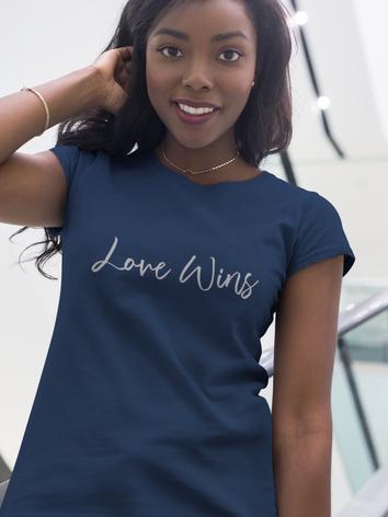 gorgeous-girl-wearing-a-t-shirt-mockup-w