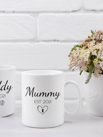 mockup-of-two-coffee-mugs-placed-next-to