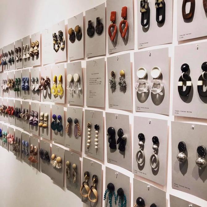 「3人の耳飾り」@ museum shop T