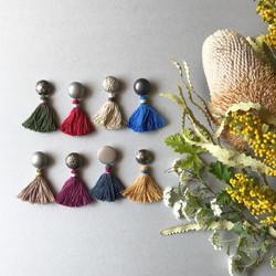 スウェーデン糸の耳飾り