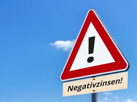 Negativzins als Kommunikations-GAU: wenn der Alltag im Kundengeschäft das Management überholt!