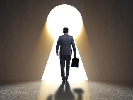 Raus aus dem Chef-Büro! Was bei Entscheidern jetzt oberste Priorität hat.