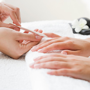 Petite Nail Spa_Manicure
