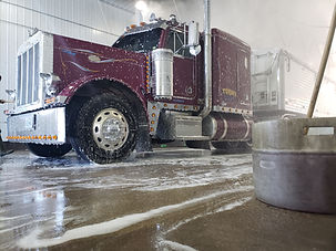 Exterior wash - Truck Wash - Deluxe Truck Stop - St. Joseph, MO