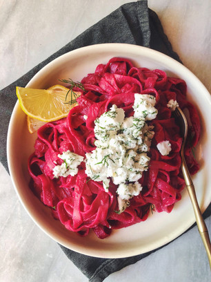 [15-MINUTE PASTA ] SWEET & SPICY BEETROOT PASTA WITH DILL LEMON FETA CHEEZE