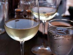 White wine, liquor may raise rosacea risk in women