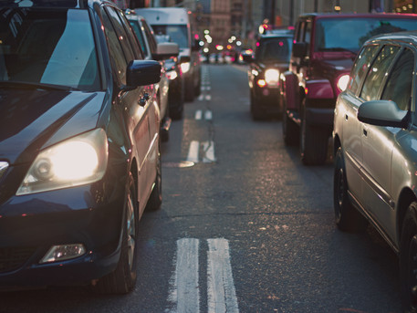 Traffic-related air pollution may contribute to development of facial lentigines