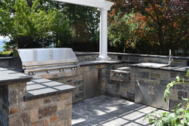 Gourmet Outdoor Kitchen