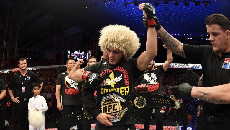 Khabib Nurmagomedov memenangkan UFC sukses mengalahkan musuhnya