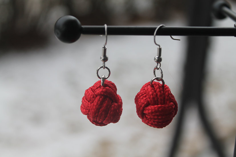 M.F. Earrings in red, small