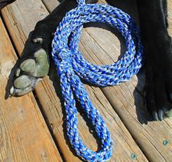 Hand tied blue camo paracord hollow braid pet leash with clip, Lethbridge AB (1)_edited.jp