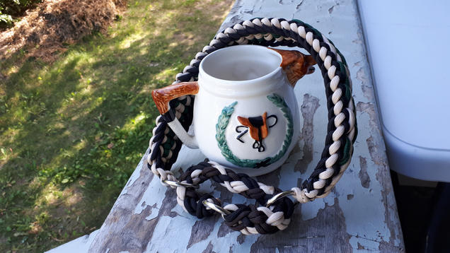 Weaved paracord pet collar, martingale style