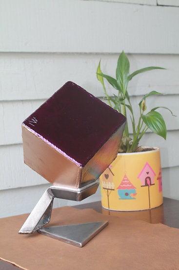 Metal cube with triangle stand