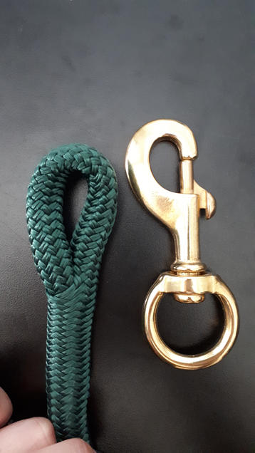 Clinician length lead rope with replaceable hardware