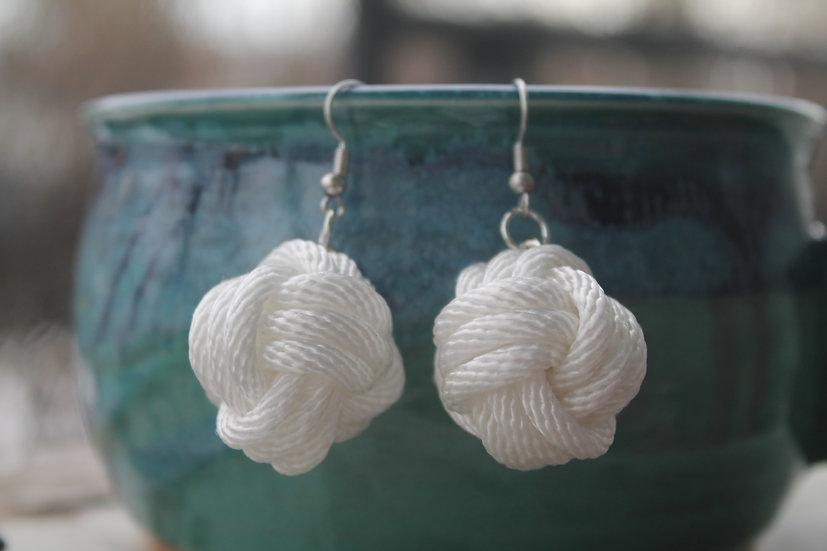 M.F. Earrings in white, cotton