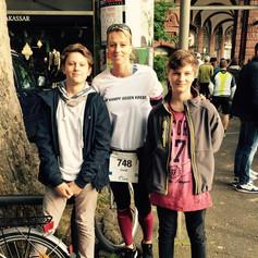 Mannheim-Marathon. Ebenfalls ein Spendenlauf für die Krebsforschung des NCT-Heidelberg . Foto mit meinen Kindern 2017