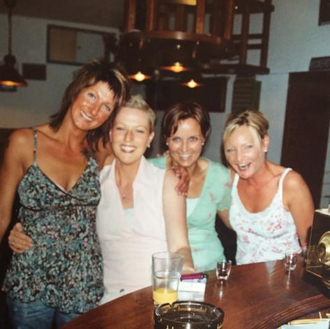Mai 2005 meine 30igste Geburtstagsfeier mit meinen lieben Freundinnen