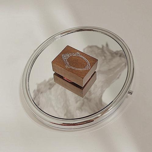 Jieyanow Atelier - 1/5 Badge Mirror Rubber Stamp
