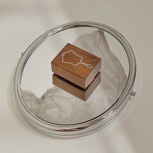 Jieyanow Atelier - 5/5 Round Mirror Rubber Stamp