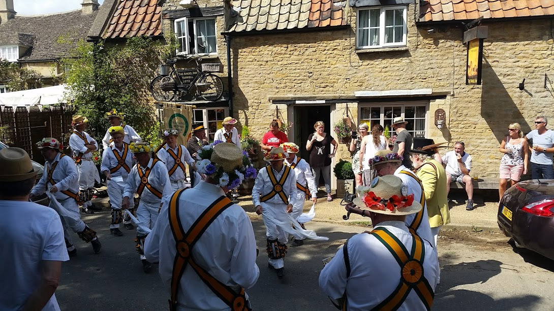 pub - morris dancers