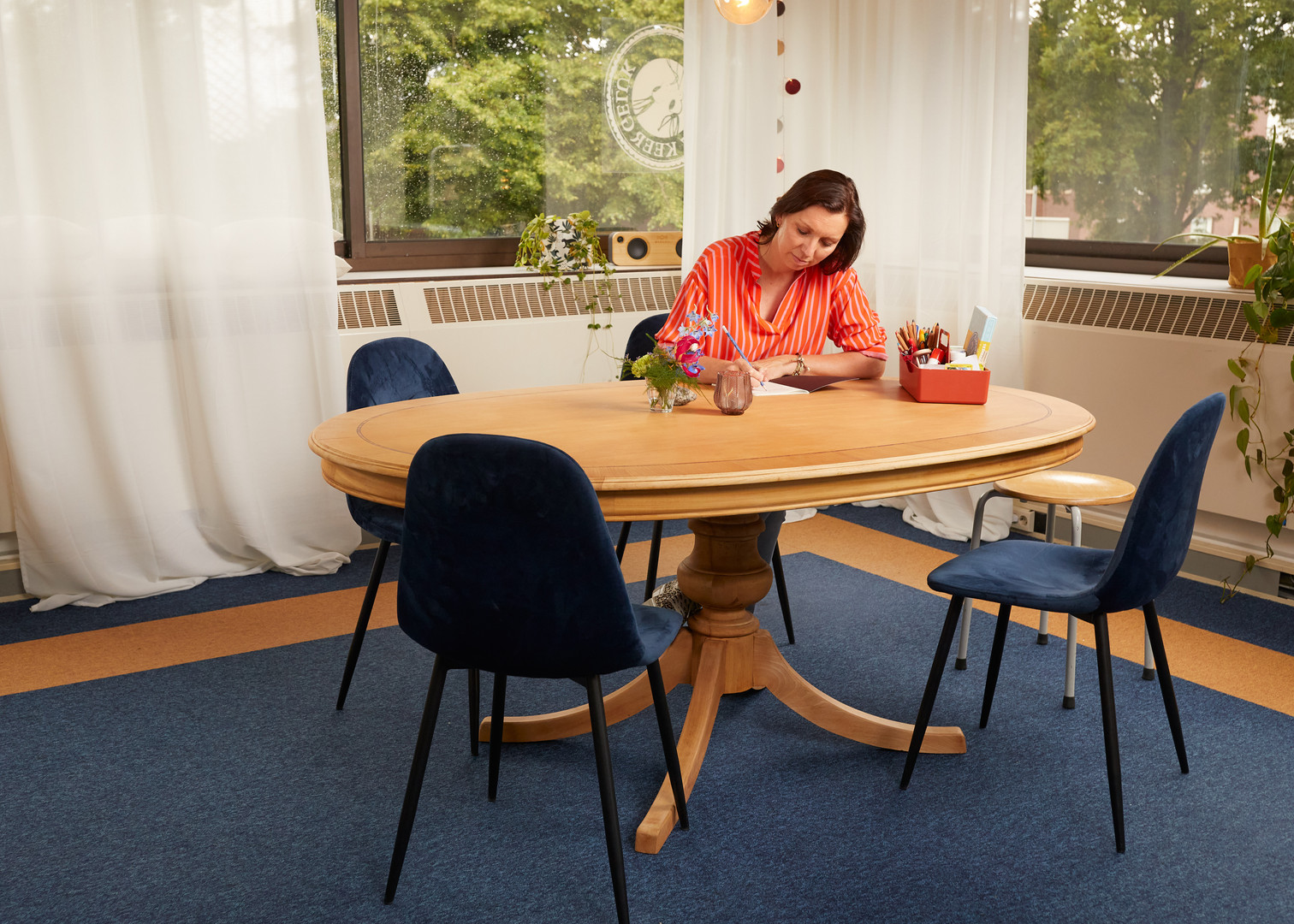 Grote tafel, kamer Dahlia