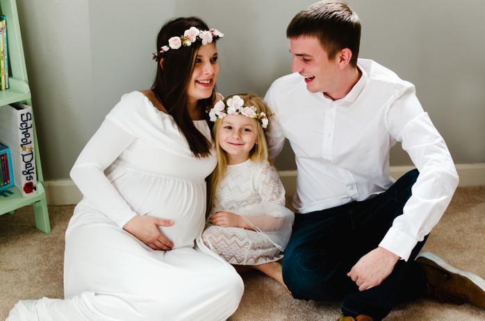 Lexis' Indoor Maternity Shoot