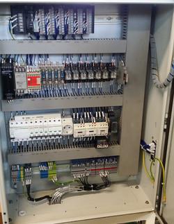 Elektromos szekrény (3)