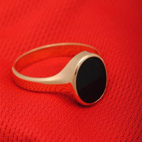 anillo con onix oro de 18k