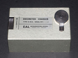 Individual Dosimeter 4 and Charger