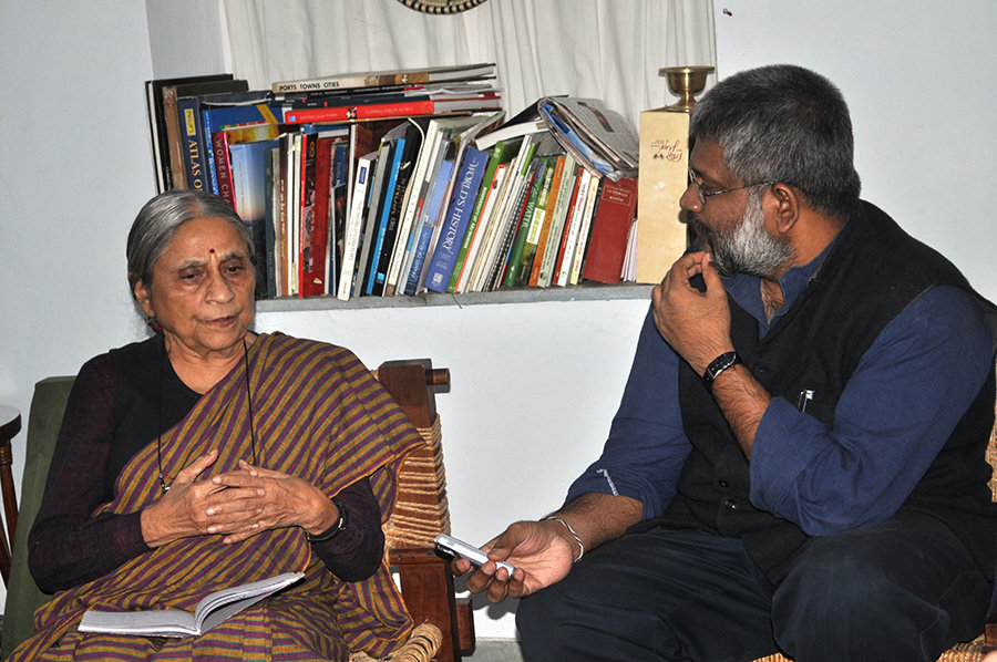 Dr Ela Bhatt with Sethu Das at her residence in Ahmedabad, Gujarat.