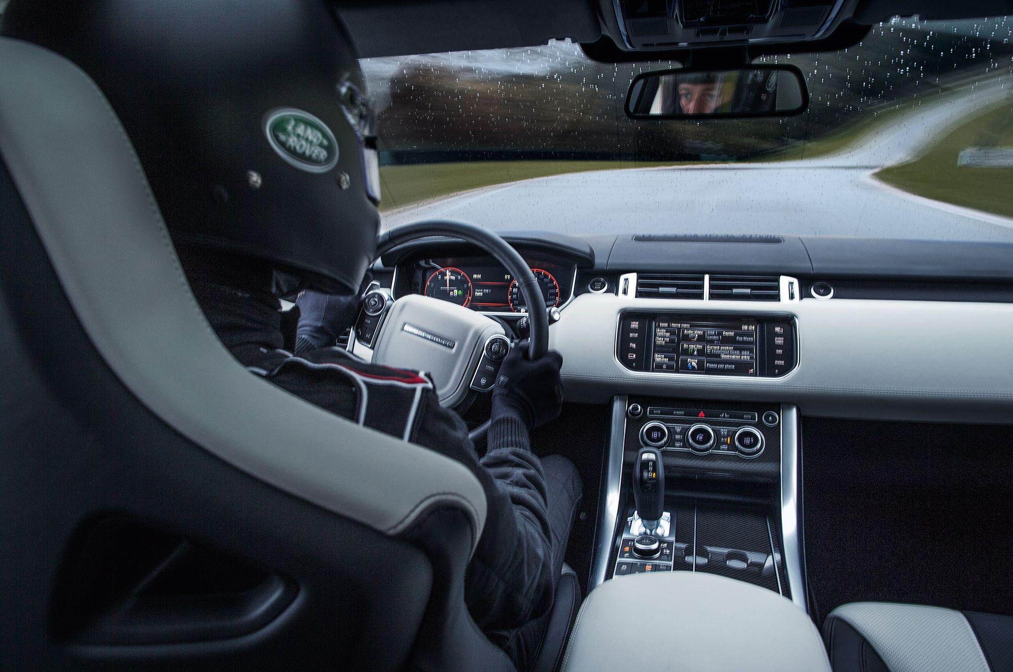 2015-land-rover-range-rover-sport-svr-interior