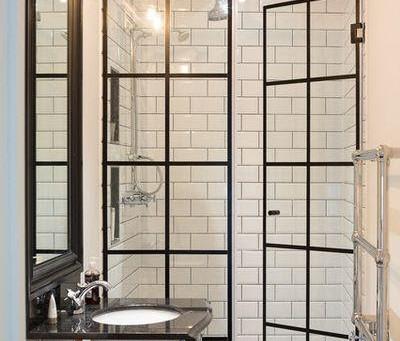 How to choose a shower door