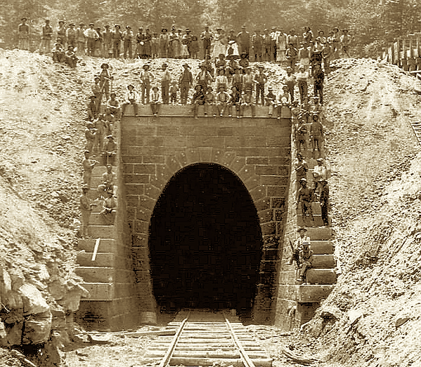 1892DingessTunnel.png