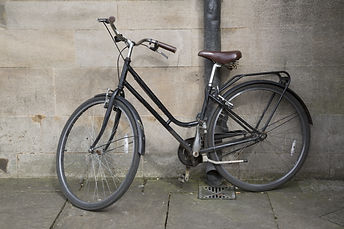 Old Bike in Oxford, England, UK.jpg
