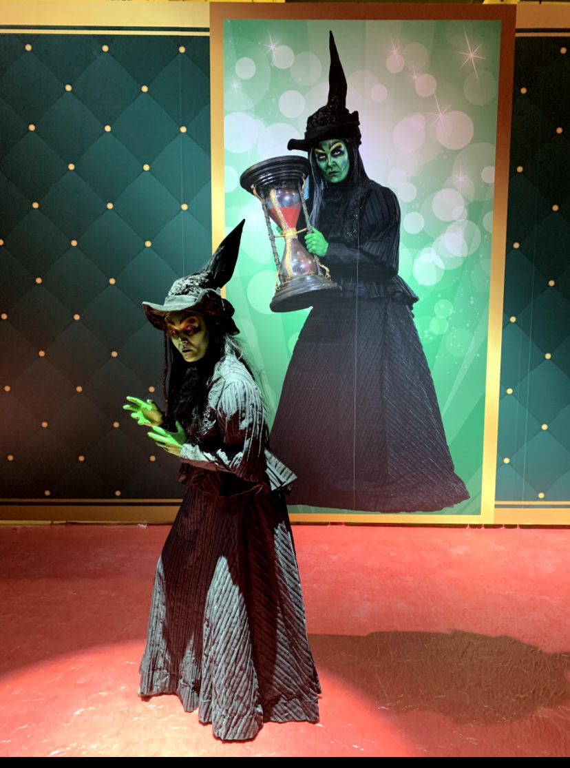 A Witch and her Giant Shadow - Bahrain Tour