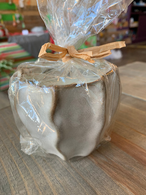 Ruffle Pot Ceramic Candle