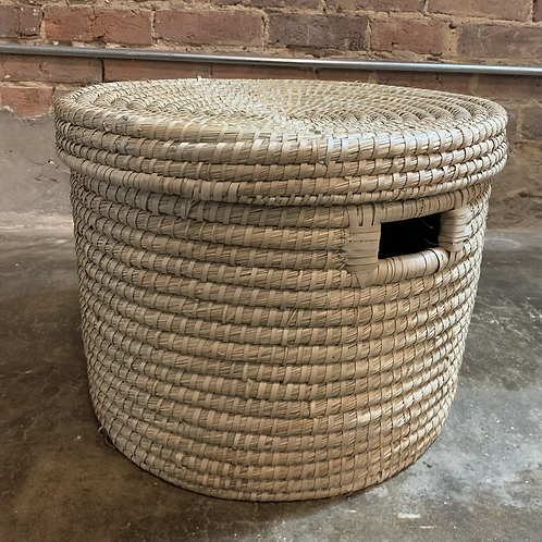 Round Kaisa Grass Basket w/ Lid Medium